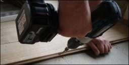 boring og montage af plankegulv