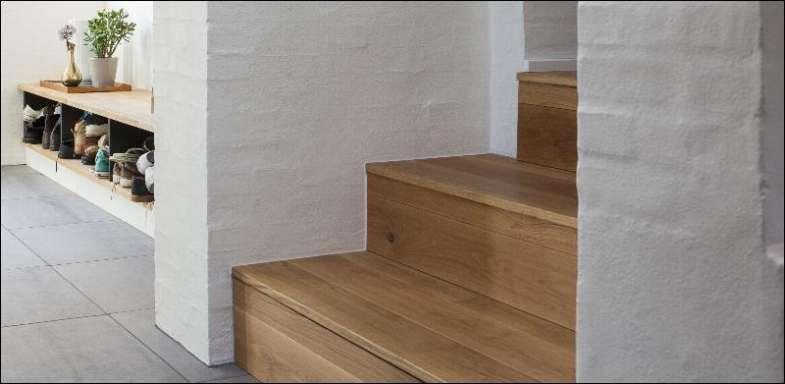 trappe med egetræs beklædning